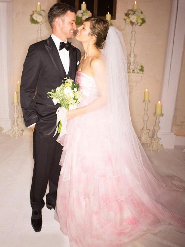 свадебное платье Джессика Бил розовое