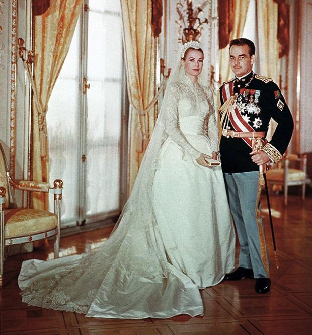 шикарное свадебное платье со шлейфом Грейс Келли