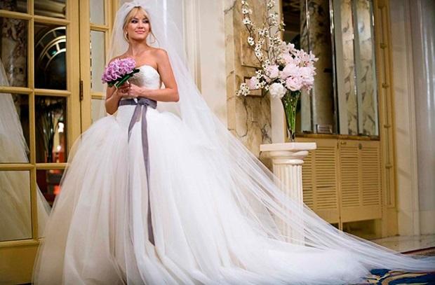 шикарное пышное свадебное платье Кейт Хадсон в фильме «Война невест»