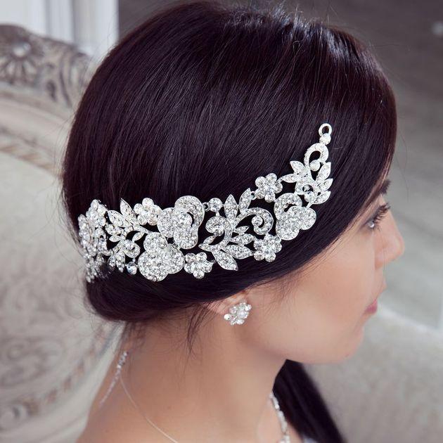 Новое поступление свадебной бижутерии и аксессуаров для волос