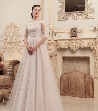 Свадебное платье А-силуэт с легкой юбкой