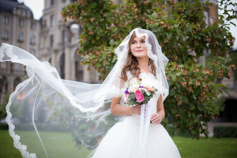 Советы по выбору фаты для свадьбы