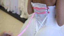 Как зашнуровывать свадебное платье (фото инструкция)