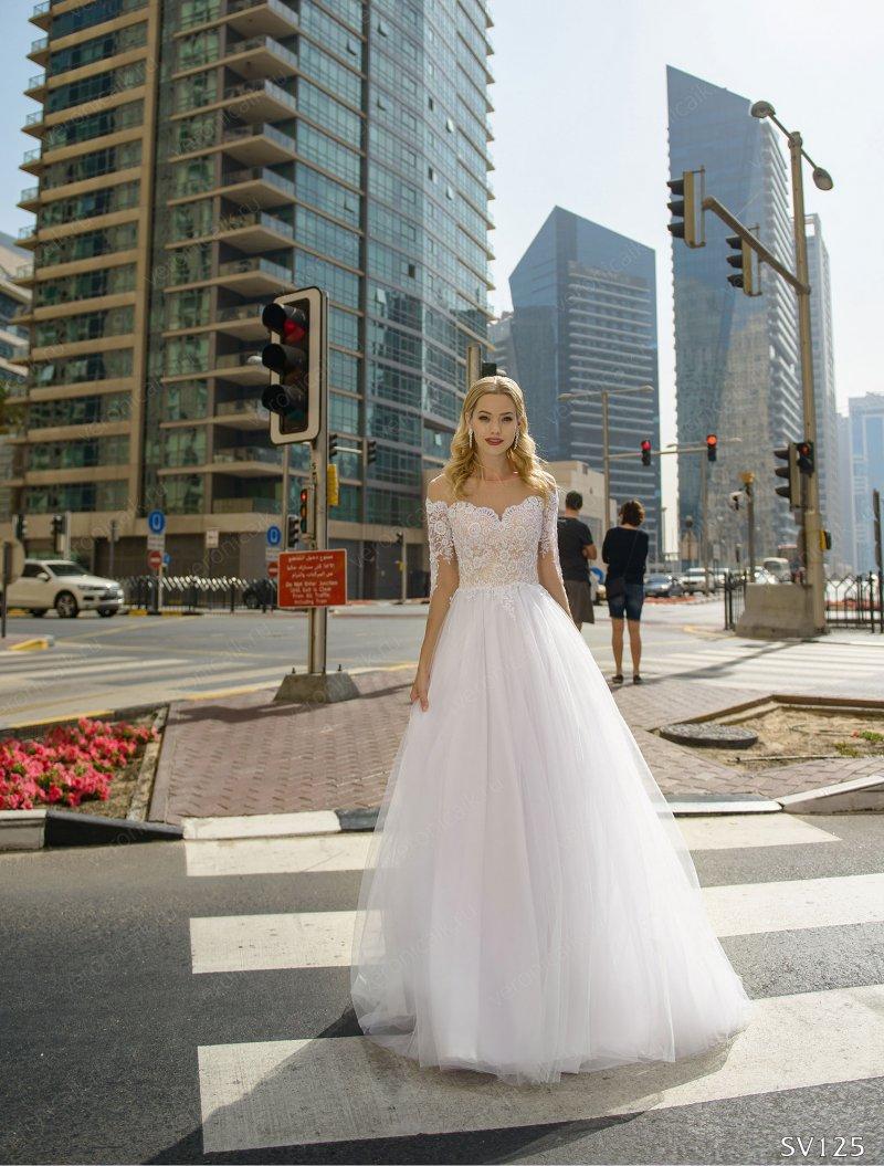 Стильное свадебное платье SV-125 со шлейфом и рукавом 3/4